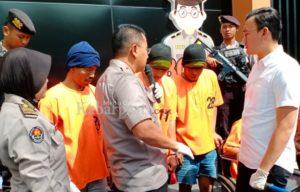 Kapolres Bojonegoro didampingi Kasat Reskrim, ketika menggelar konferensi pers, kemarin 21/2/2020